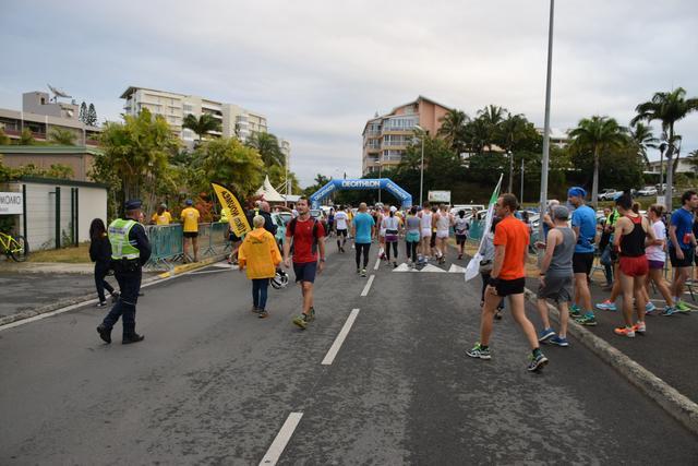 画像3: ニューカレドニアマラソンの特徴は、とってものんびり、アットホーム