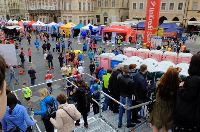画像4: チェコプラハマラソン大会当日は、天気にも恵まれマラソン日和