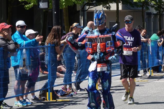 画像11: いよいよマラソン当日!フル・ハーフのスタートはビクトリアパーク