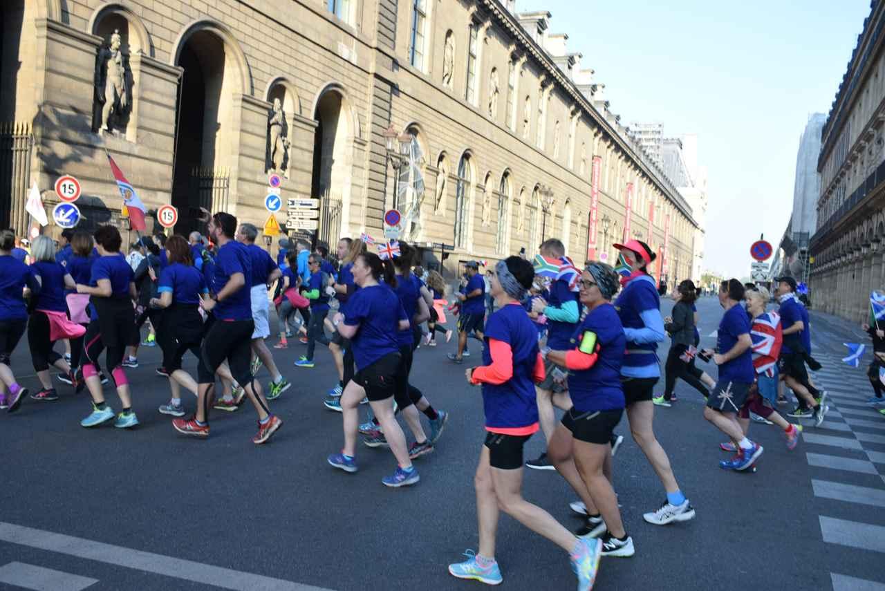 画像7: パリのマラソンコースは、観光地を巡るコース。 目で見て走って楽しいマラソン