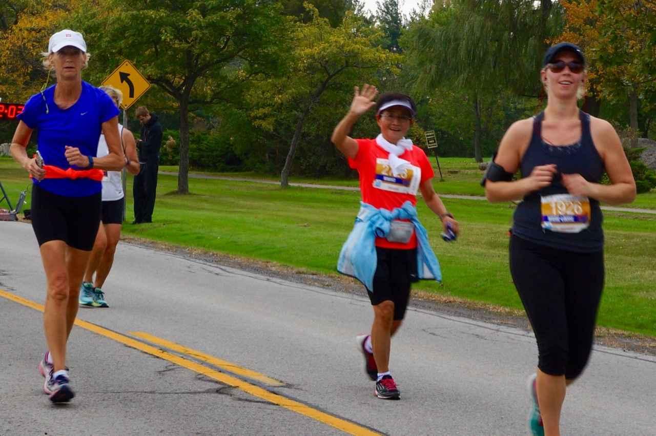 画像5: おすすめは国境越えのフルマラソン。レベルに合わせて選べる4種目