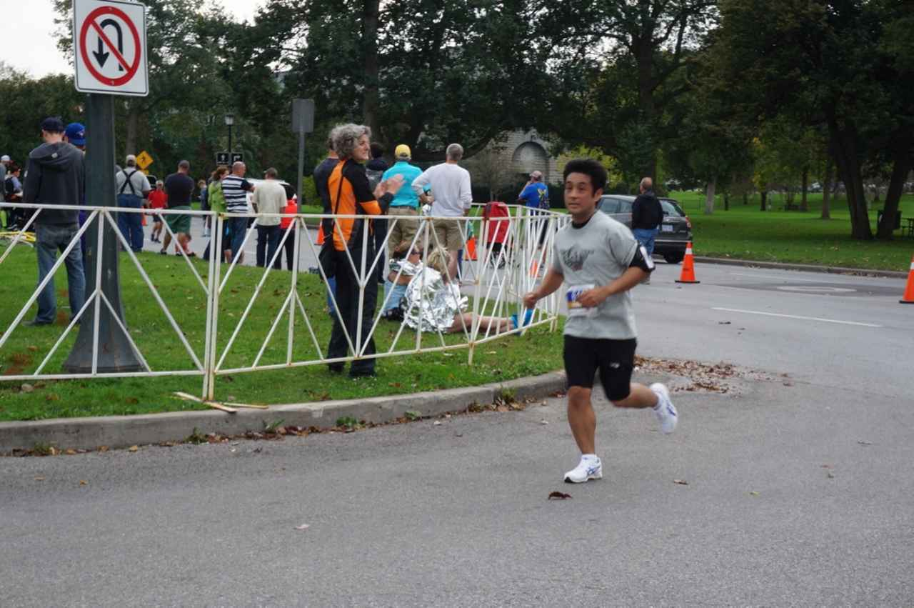 画像9: おすすめは国境越えのフルマラソン。レベルに合わせて選べる4種目