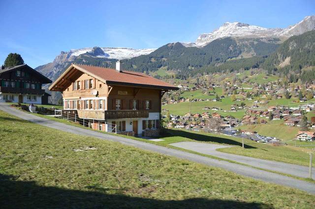画像18: ツアーは6日間コース8日間の2パターン。 どちらもスイスインターナショナルエアラインズの直行便でチューリッヒへ
