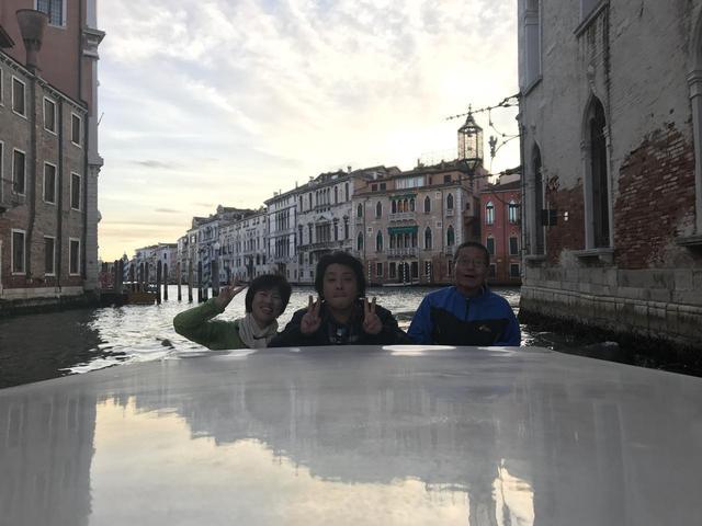 画像1: 翌日は帰国の方々とお別れし、 ボローニャ、フィレンツェ、ローマ観光に向かいました。