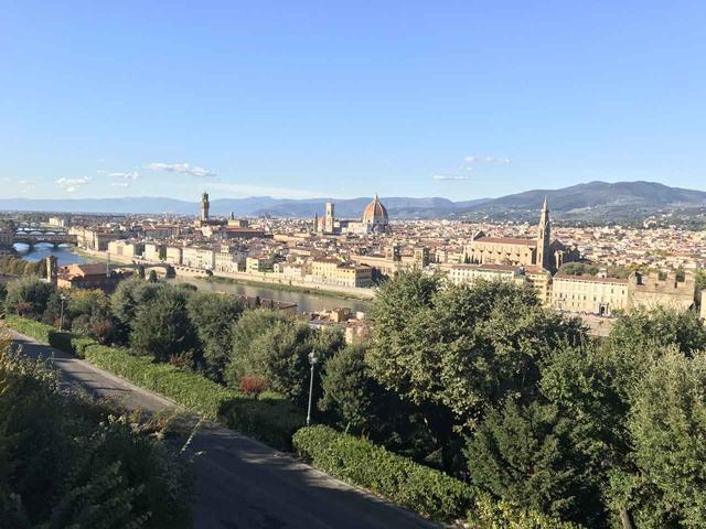 画像2: 翌日は帰国の方々とお別れし、 ボローニャ、フィレンツェ、ローマ観光に向かいました。