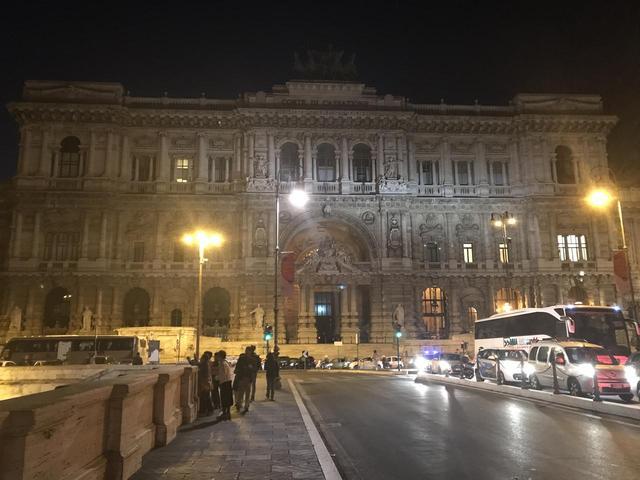 画像6: 翌日は帰国の方々とお別れし、 ボローニャ、フィレンツェ、ローマ観光に向かいました。
