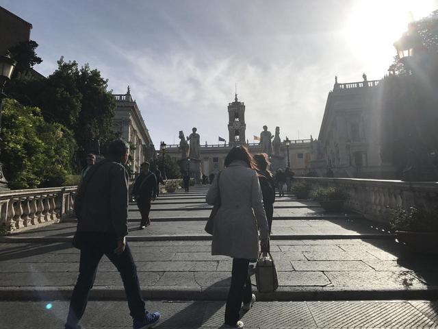 画像10: 翌日は帰国の方々とお別れし、 ボローニャ、フィレンツェ、ローマ観光に向かいました。