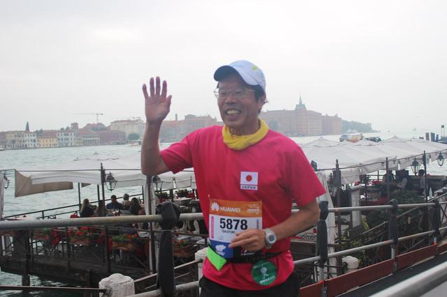 画像12: いよいよベニスマラソンスタート