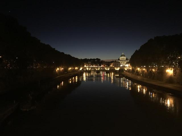画像7: 翌日は帰国の方々とお別れし、 ボローニャ、フィレンツェ、ローマ観光に向かいました。