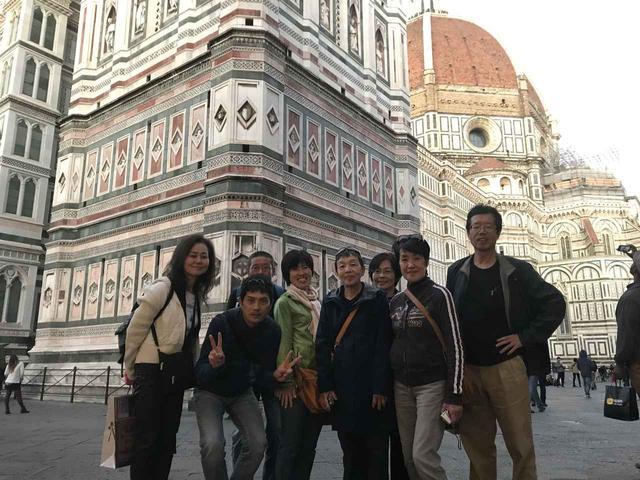 画像3: 翌日は帰国の方々とお別れし、 ボローニャ、フィレンツェ、ローマ観光に向かいました。
