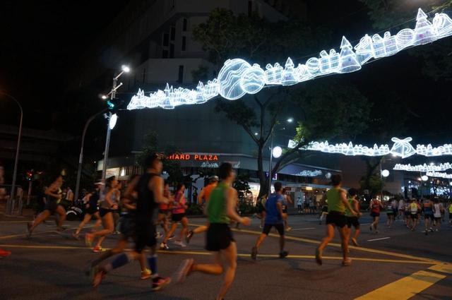 画像8: 【地球を走ろう】ガーデンシティをめぐる人気大会! シンガポールマラソンツアー 大会レポート