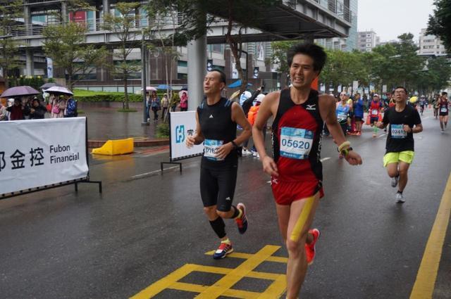 画像11: 【地球を走ろう】リピーター多数!走りやすい高速コース 台北マラソンツアー 大会レポート