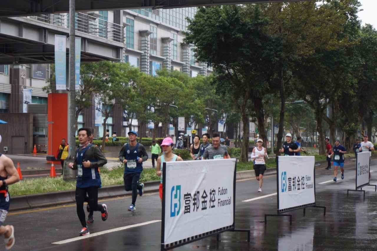画像7: 【地球を走ろう】リピーター多数!走りやすい高速コース 台北マラソンツアー 大会レポート