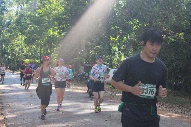 画像23: 【地球を走ろう】世界遺産を走る!チャリティーマラソン  アンコールワット国際ハーフマラソン レポート