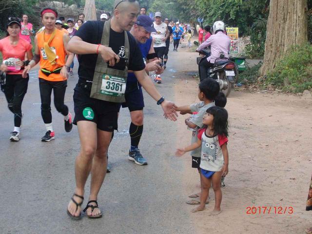 画像14: 【地球を走ろう】世界遺産を走る!チャリティーマラソン  アンコールワット国際ハーフマラソン レポート