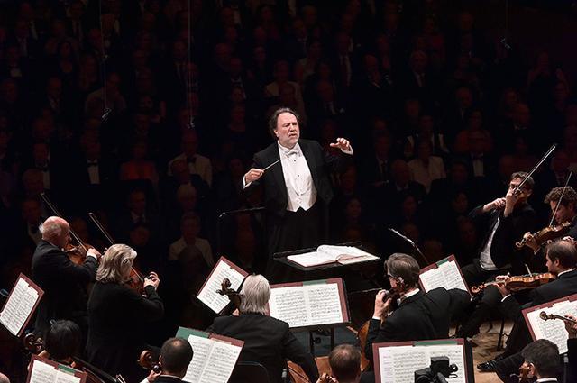 画像: ルツェルン祝祭管弦楽団 © Peter Fischli