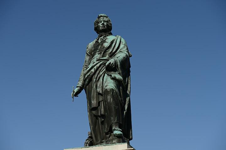 画像: モーツァルト像