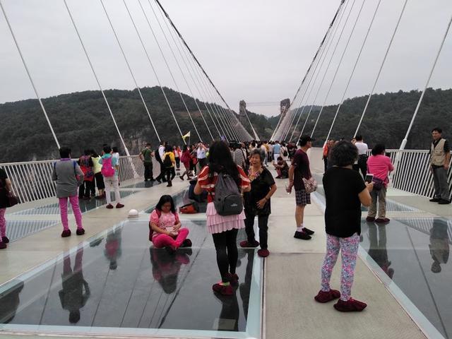 画像: 張家界大峡谷ガラス橋
