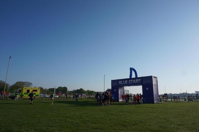 画像2: マラソン当日は快晴!仮装ランナーもOKのお祭り大会です♪