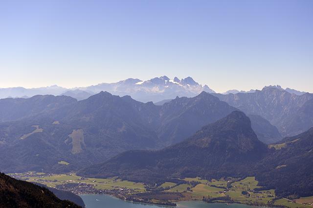 画像: シャーフベルク山頂から望むダッハシュタイン山塊