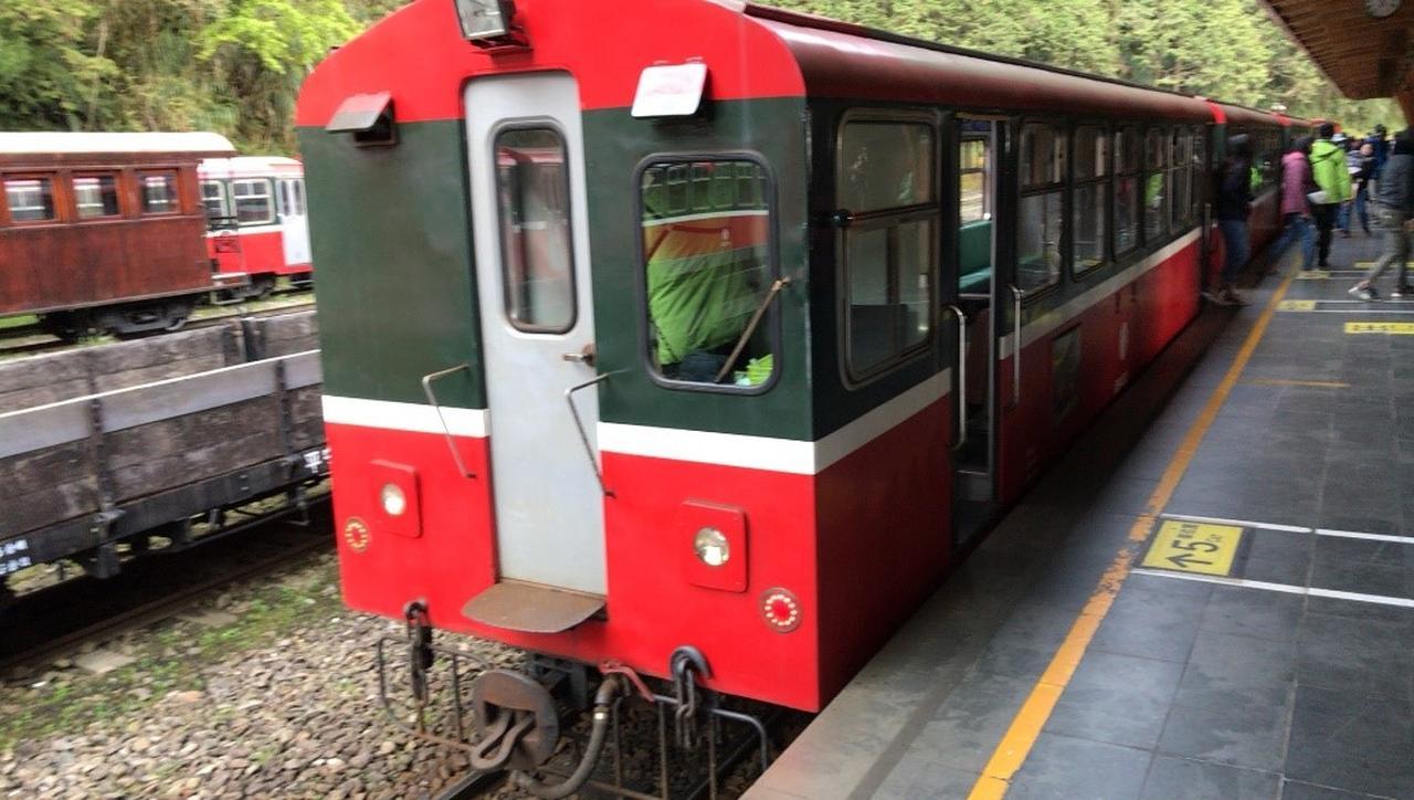 画像: ご来光を見るための専用電車