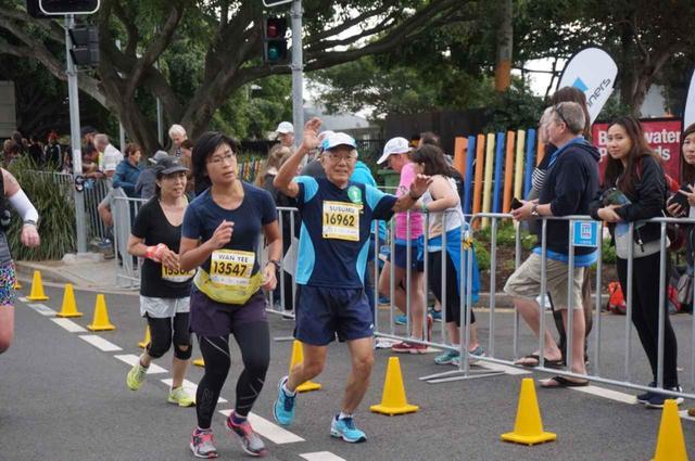 画像11: ゴールドコーストはオーストラリアのビーチリゾートとしてお馴染み。 毎年7月に開催されるマラソン大会は、 日本人の参加人数がホノルルに次いで多いのが特徴です