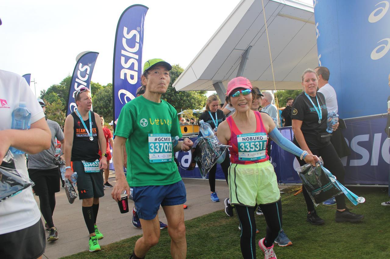 画像1: ゴールドコーストはオーストラリアのビーチリゾートとしてお馴染み。 毎年7月に開催されるマラソン大会は、 日本人の参加人数がホノルルに次いで多いのが特徴です