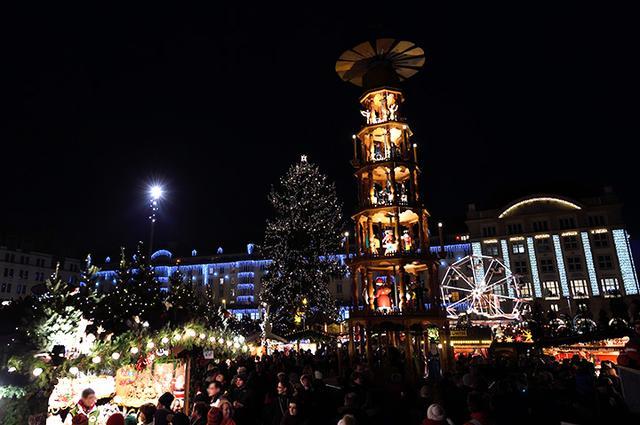 画像: ドレスデン クリスマス市「シュトリーツェルマルクト」