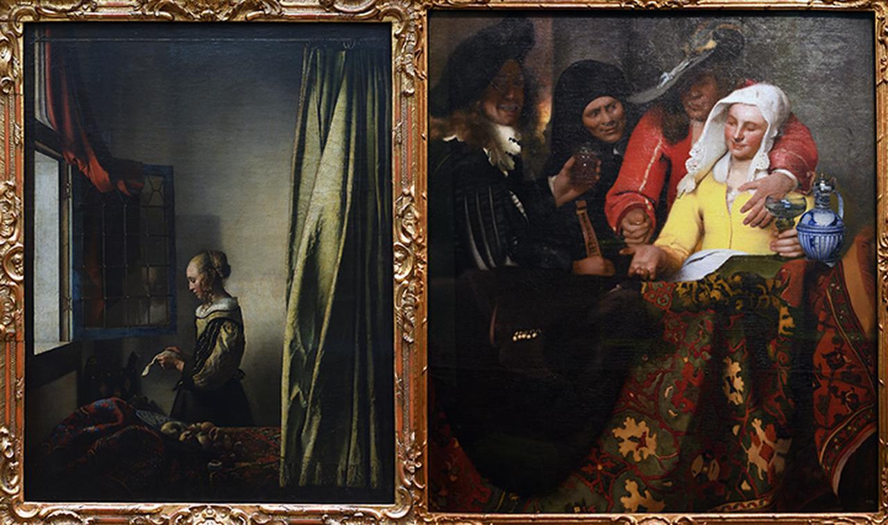 画像: 左から「窓辺で手紙を読む女」、「取り持ち女」(ドレスデン絵画館蔵)