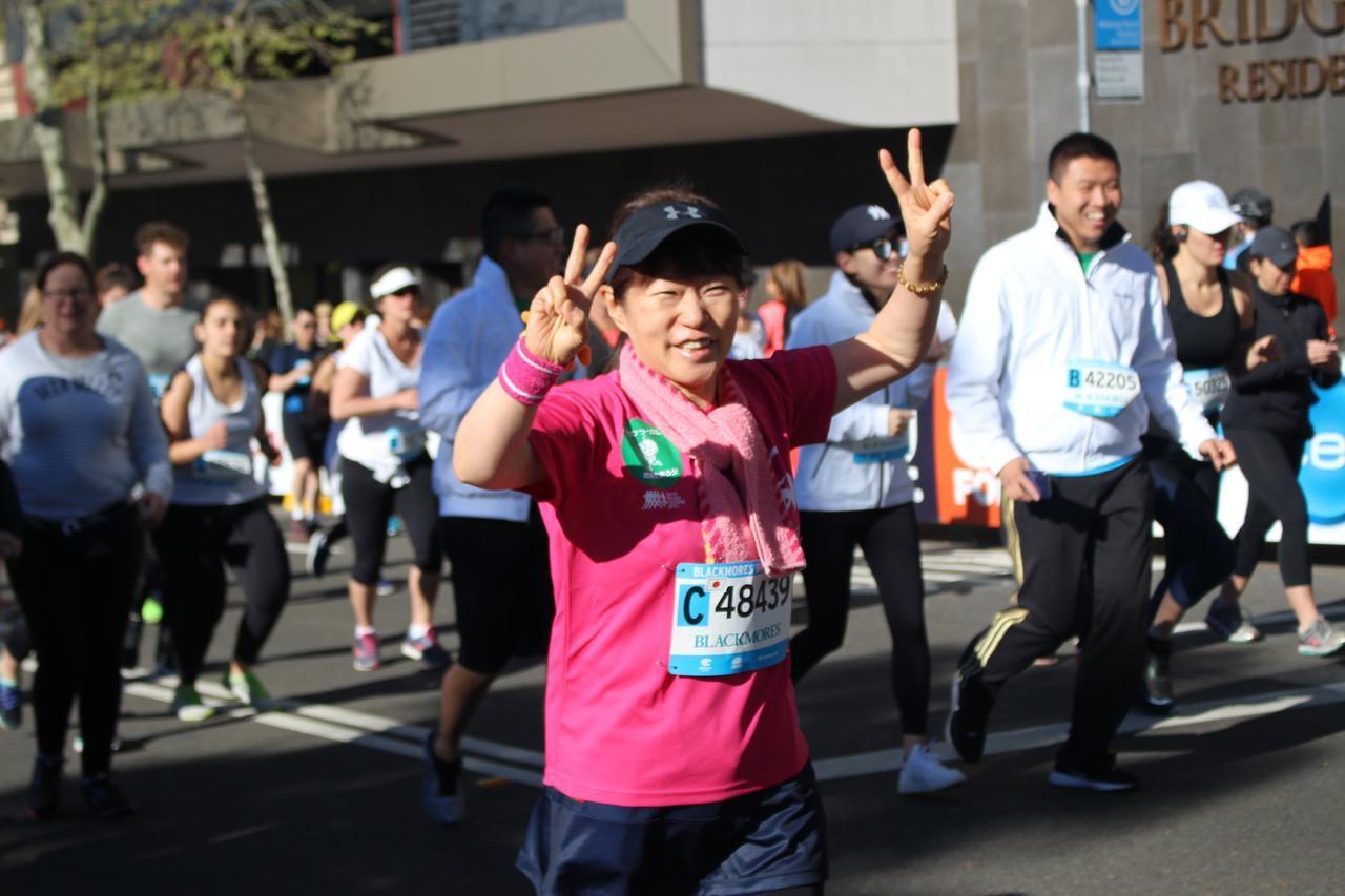 画像5: 続いて午前7時05分 フルマラソンスタート!