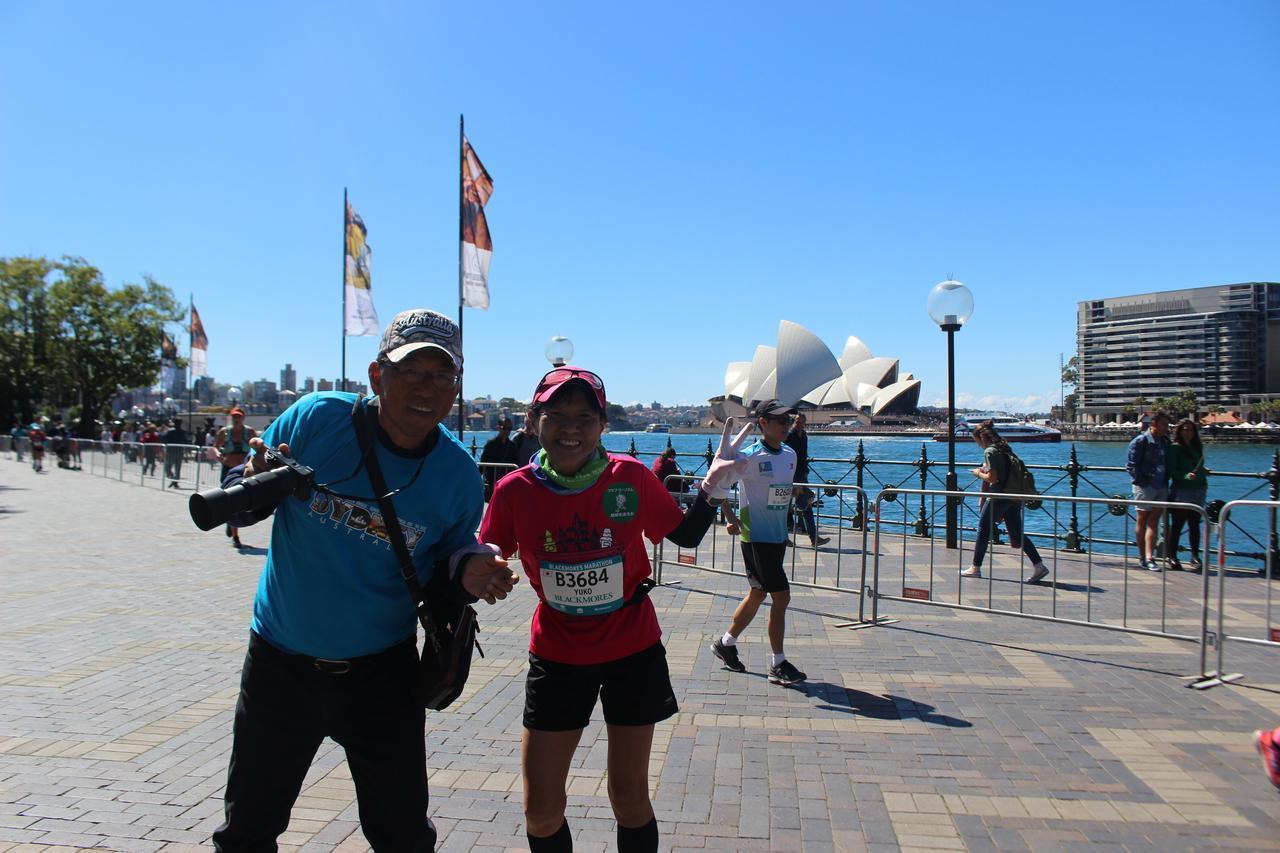 画像18: 続いて午前7時05分 フルマラソンスタート!