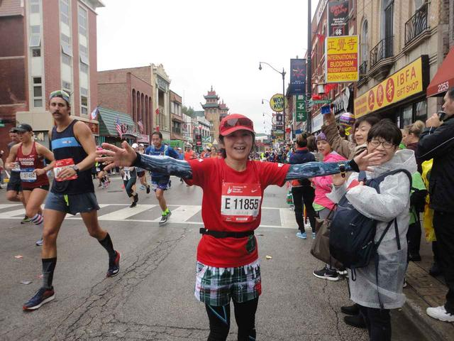 画像9: シカゴマラソンは10月の第1日曜日が大会。 今年は51名様にツアーにご参加いただきました!
