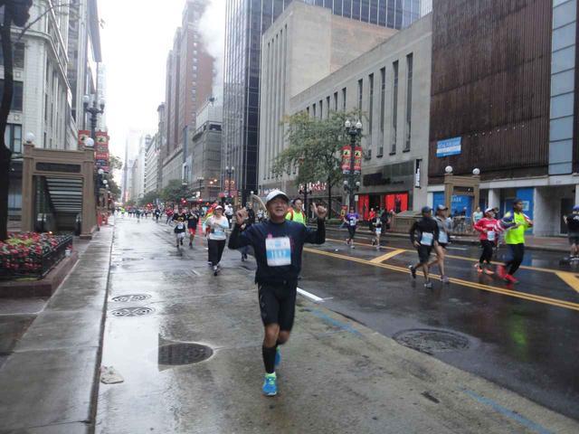 画像3: シカゴマラソンは10月の第1日曜日が大会。 今年は51名様にツアーにご参加いただきました!