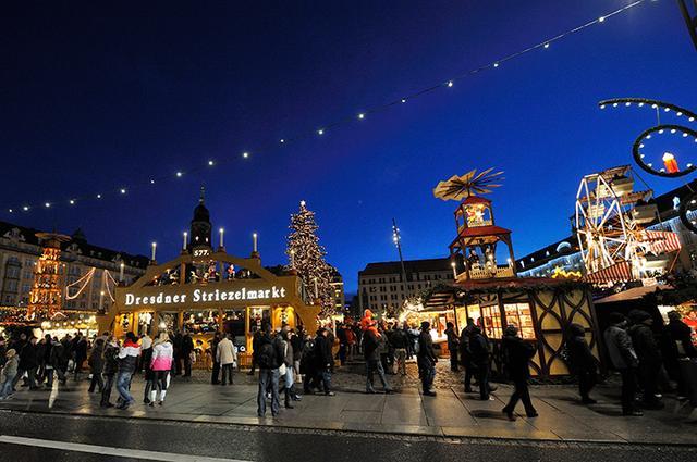 画像: ドレスデンのクリスマス市 シュトリーツェルマルクト
