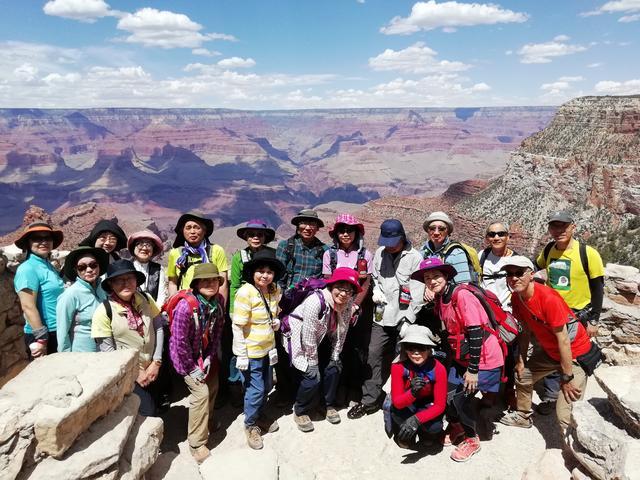 画像: 21人の旅仲間とグランドサークル達成