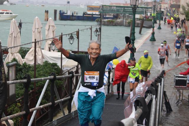 画像12: 10月28日  第33回ベニスマラソン