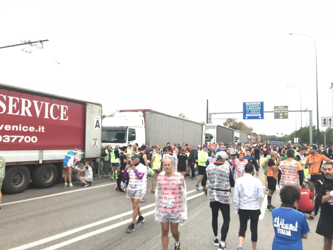 画像2: 10月28日  第33回ベニスマラソン