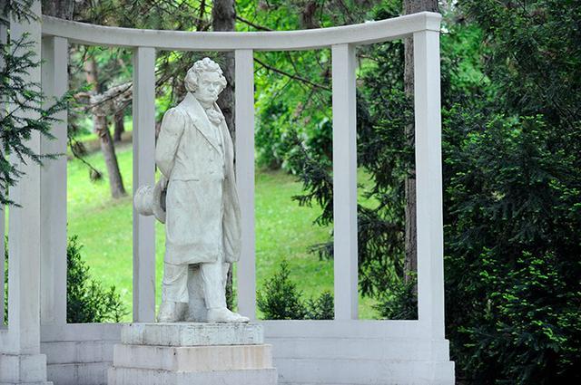 画像: ハイリゲンシュタットにあるベートーヴェン像