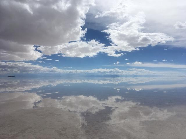 画像: 水鏡の状態によっては、空が反転したような景色をご覧いただけます
