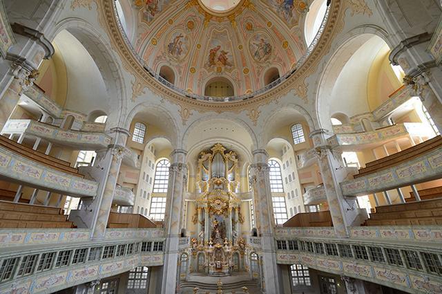 画像: 聖母教会内ジルバーマン・オルガン