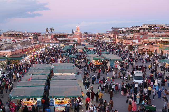 画像: 旅の最後はモスクや城壁がピンク色をしたマラケシュへ!北アフリカ最大の旧市街の中心地 「ジャマ・エル・フナ広場」へご案内♪