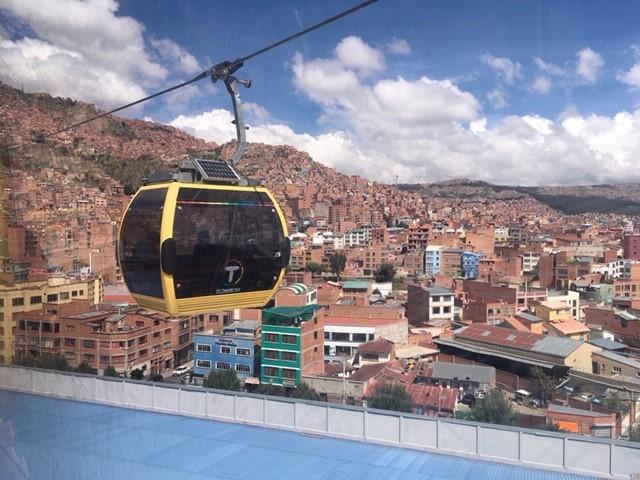 画像1: ラパス 天空の首都でロープウェイ乗車!