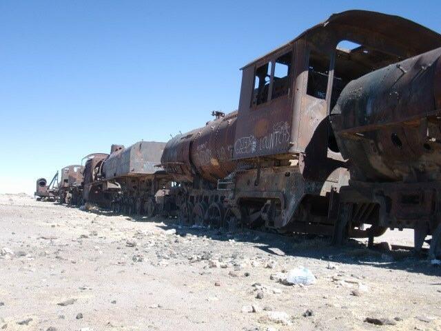画像1: 列車の墓場