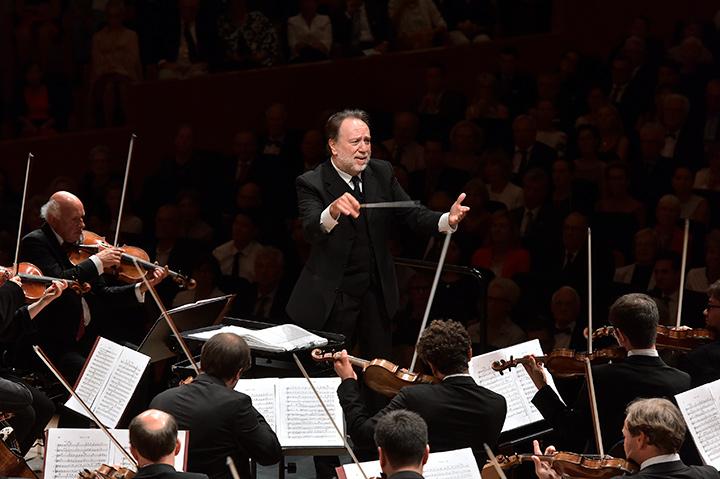 画像: ©Peter_Fischli シャイー指揮のルツェルン祝祭管弦楽団