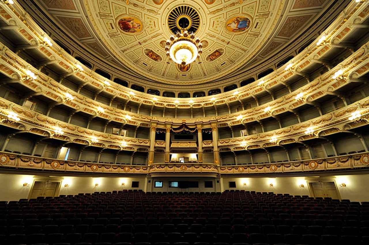画像: ゼンパー歌劇場の客席