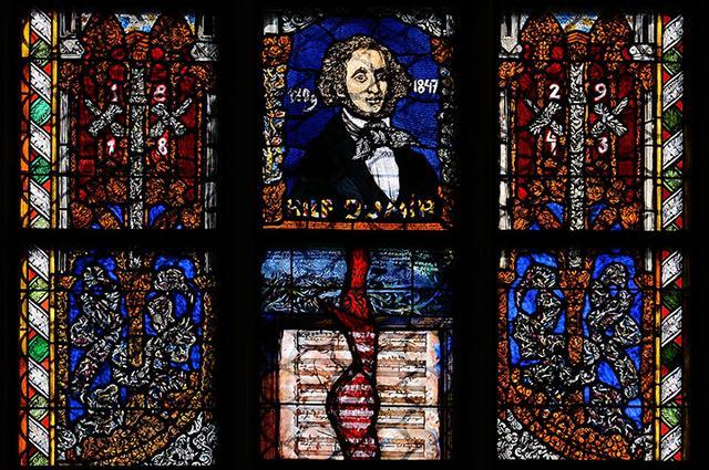 画像: 製トーマス教会内にあるメンデルスゾーンのステンドグラス