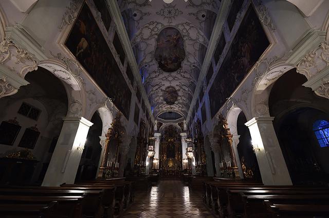 画像: 聖ペーター教会内部