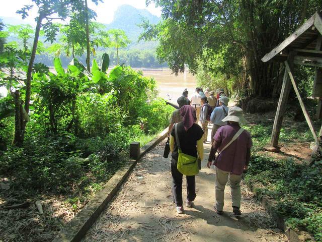 画像: 小さな村に立ち寄り散策を楽しみました