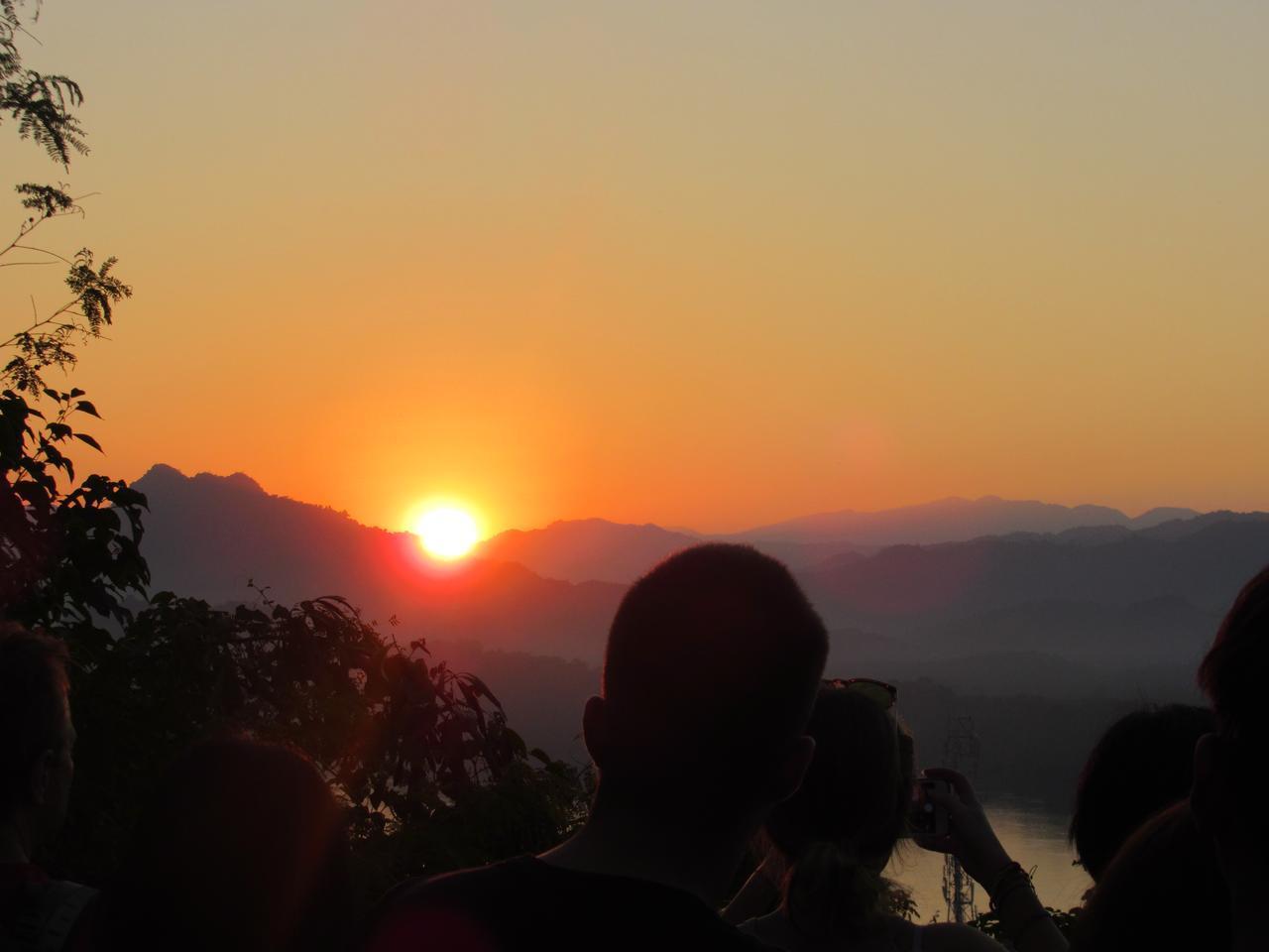 画像2: きれいな夕日を見ながらゆったりとしたひと時を