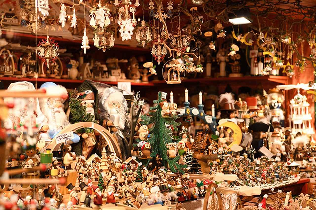 画像: クリスマス市の工芸品の屋台